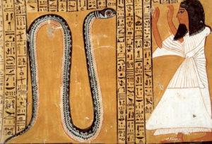 Рис.16 Гробница Инхеркау (ТТ 359): II погребальная камера, умерший поклоняется змею.    Около 1140 г. до н.э.
