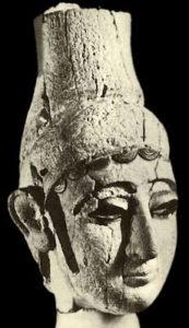 Рис. 2 Голова из Угарита. Около 1750-1500 гг. до н.э.